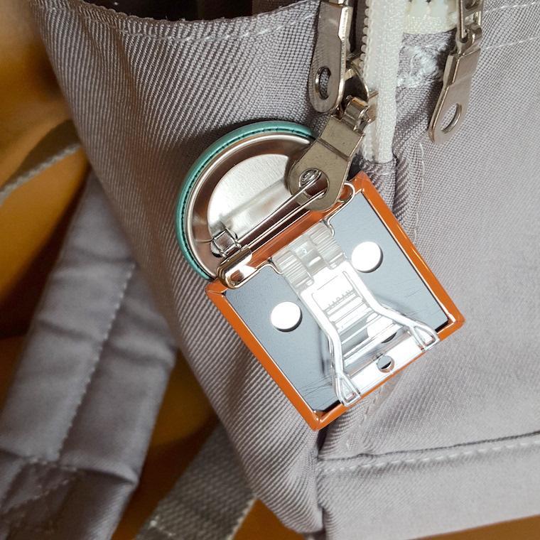 缶バッジ 缶バッチ 缶バッヂ キャラクター シンプル オリジナル 可愛い 青色 丸型38ミリ 宇宙人 アオビヨ|pop-collection|06
