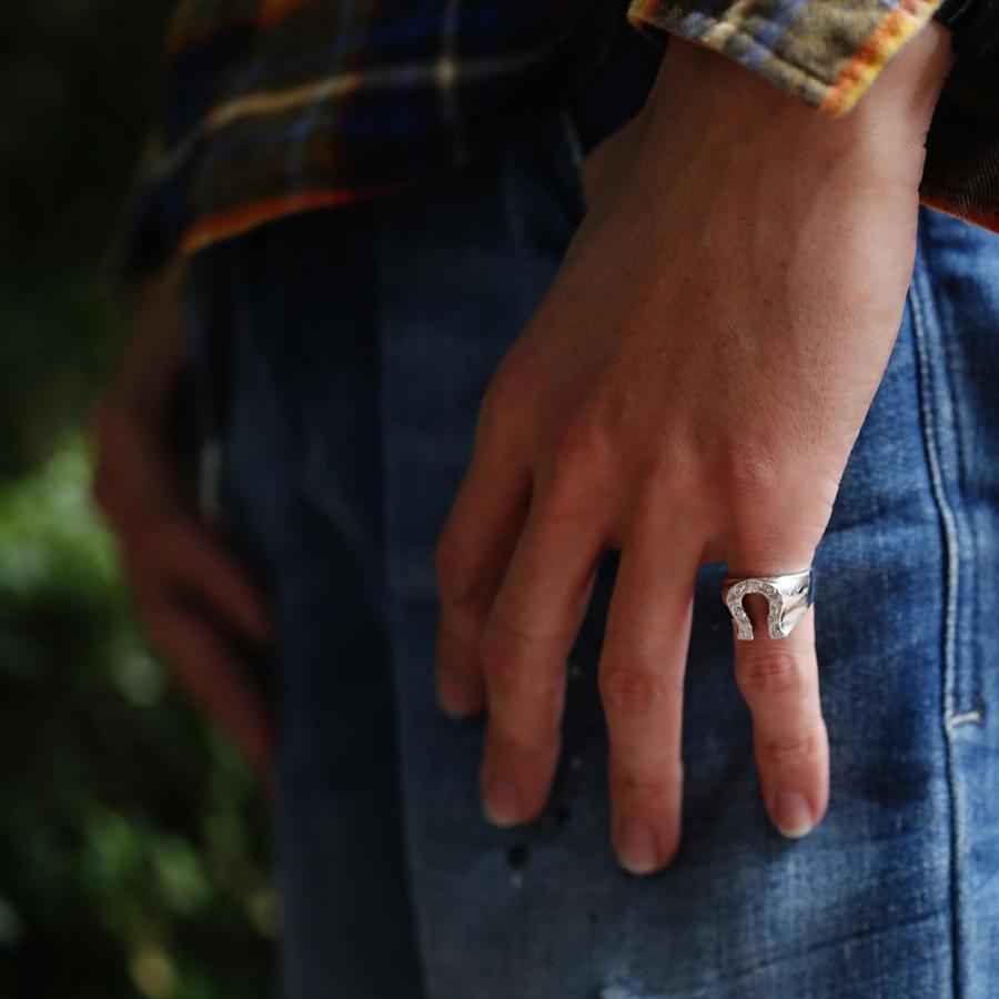 【K18 ハワイアン ホースシューリング 馬蹄】18金 Hawaiian jewelry 手彫り 指輪 ネイティブ メンズ 男性 サーフィン 海 ピンキーリング セレブ ラッキー puaally 03