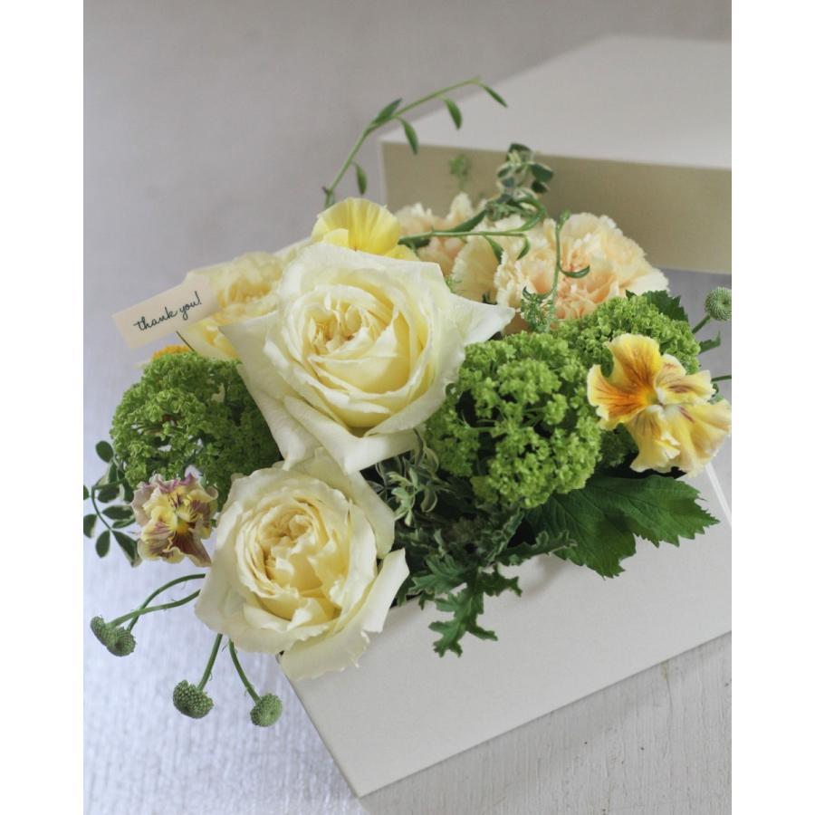 【クール便送料別】イエロー系ボックスアレンジメント「CUBE -yellow-」|pualani-flowers