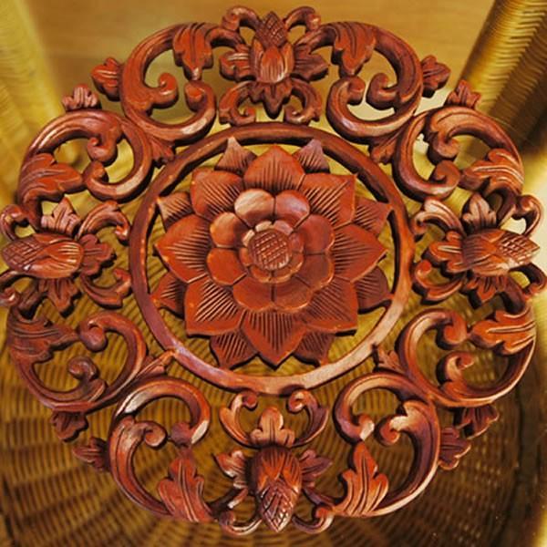 バリ製丸形木彫りのレリーフ (フラワーアイビー)|putihbali
