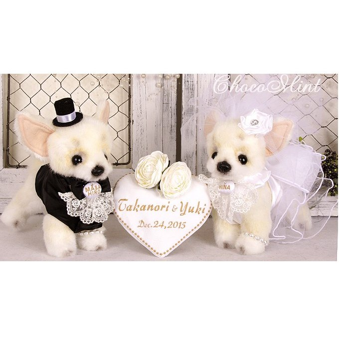 ホワイトハート薔薇ボード&オーダー刺繍ウェディングドール チワワタキシード&白ドレス