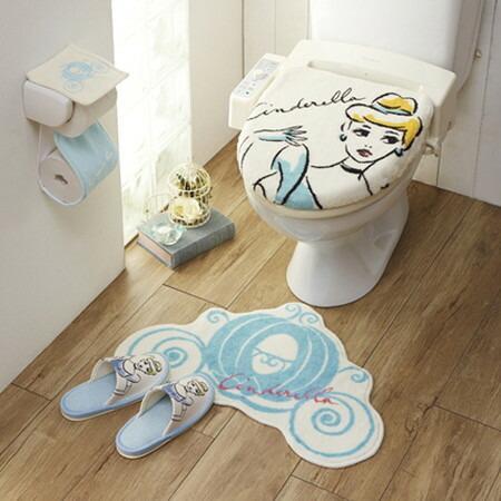 NEW Disney Rapunzel toilet lid cover /& mat /& slippers /& paper holder