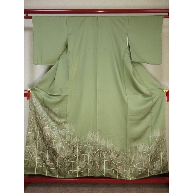 日本最大のブランド 色留袖「未着用 刺繍の一つ紋 松かさ文様(袷仕立て) 正絹」着丈約159.5cm(肩より)、裄丈約64cm、袖丈約49cm、前幅約24cm、後幅約30cm, ブランド古着 ベクトルステップ店 861d69aa