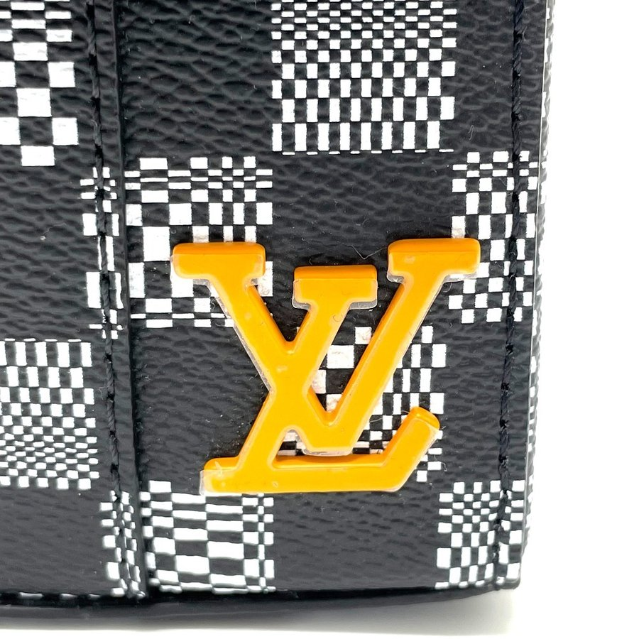 LOUIS VUITTON ルイヴィトン N50032 フラップ・ソフトトランク ダミエ ディストーテッド ハンドバッグ ブラック×ホワイト メンズ  新品同様【中古】 reference 04