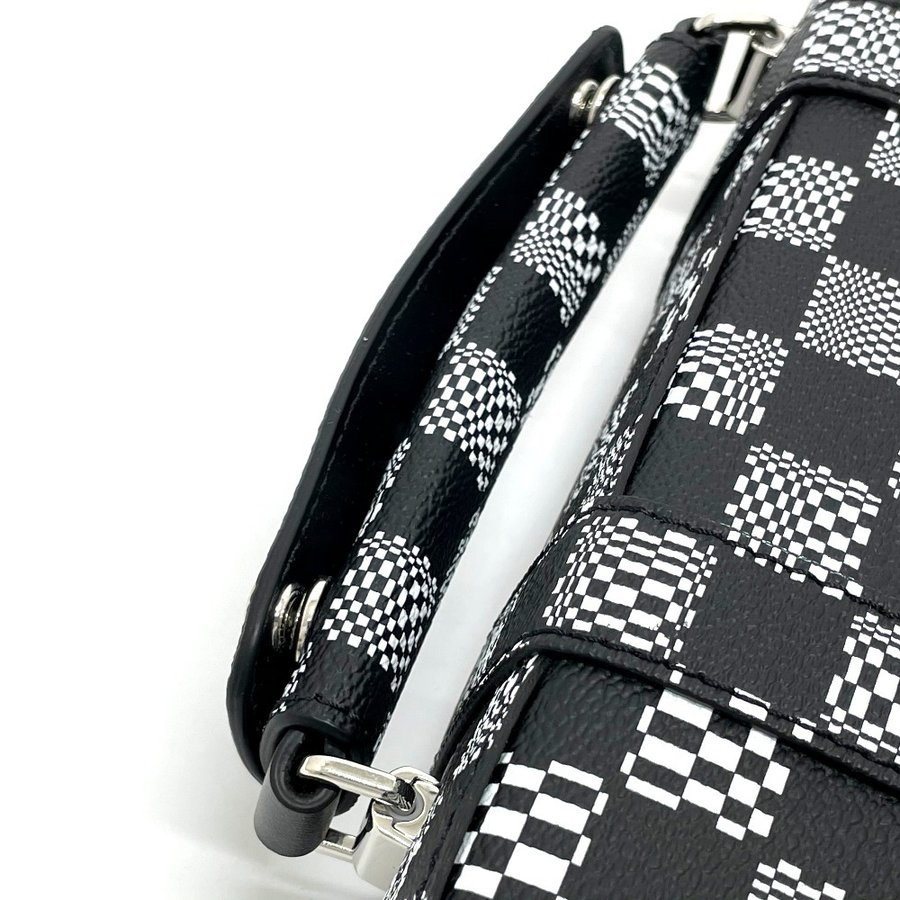 LOUIS VUITTON ルイヴィトン N50032 フラップ・ソフトトランク ダミエ ディストーテッド ハンドバッグ ブラック×ホワイト メンズ  新品同様【中古】 reference 08