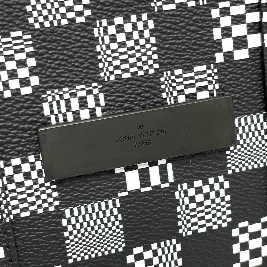 LOUIS VUITTON ルイヴィトン N50032 フラップ・ソフトトランク ダミエ ディストーテッド ハンドバッグ ブラック×ホワイト メンズ  新品同様【中古】 reference 09