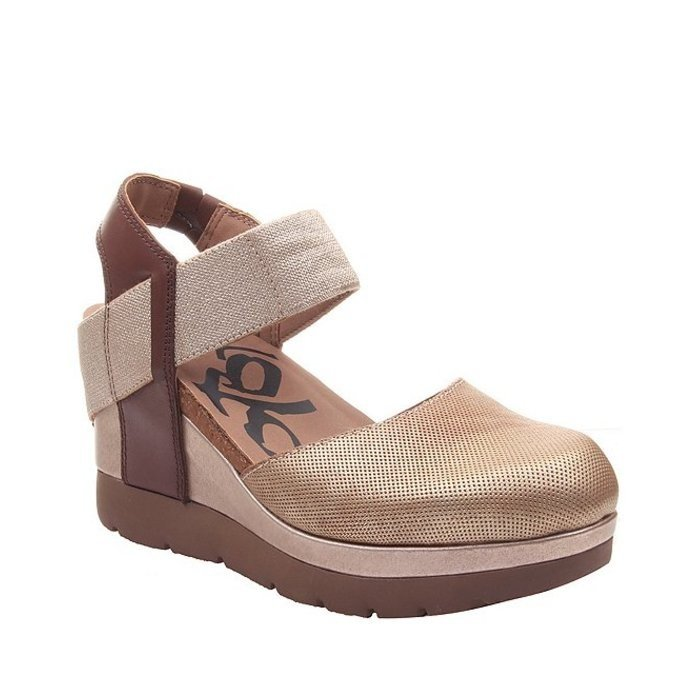 オーティービーティー レディース パンプス シューズ Carry On Leather Platform Wedges