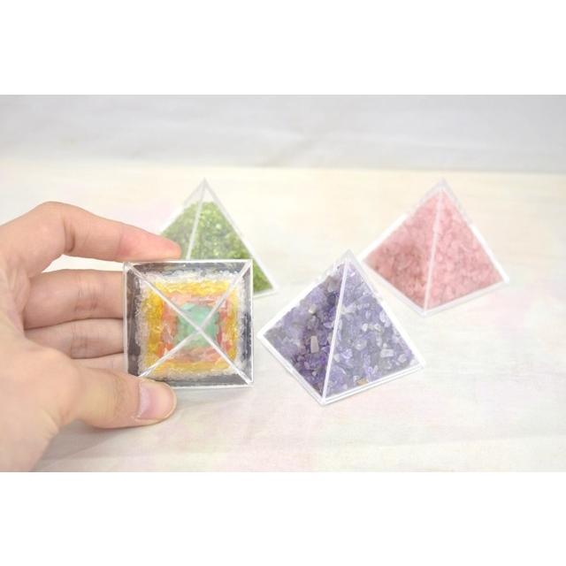 天然石チップ さざれ石 ピラミッド型ケース 5cm 選べる四種類 ryu 02