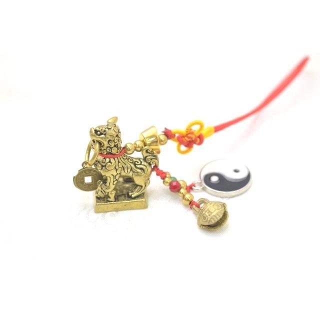 【メール便OK】 獅子 シシ ストラップ 銅製置物 ミニチュアサイズ 陰陽 鈴 古銭つき|ryu|02