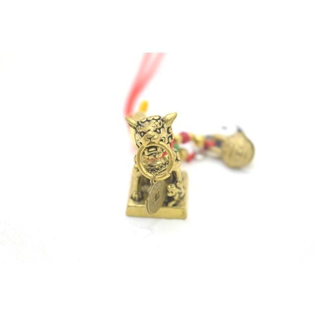 【メール便OK】 獅子 シシ ストラップ 銅製置物 ミニチュアサイズ 陰陽 鈴 古銭つき|ryu|05