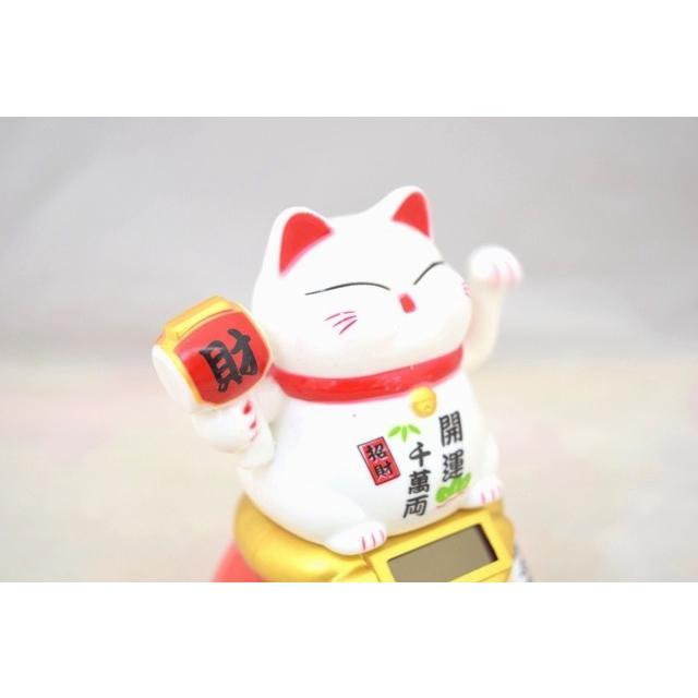 動く招き猫 ダルマ台座 ソーラー 太陽光 電池不要 中華雑貨 プラスチック製置物 片手稼働 中型 白|ryu|07