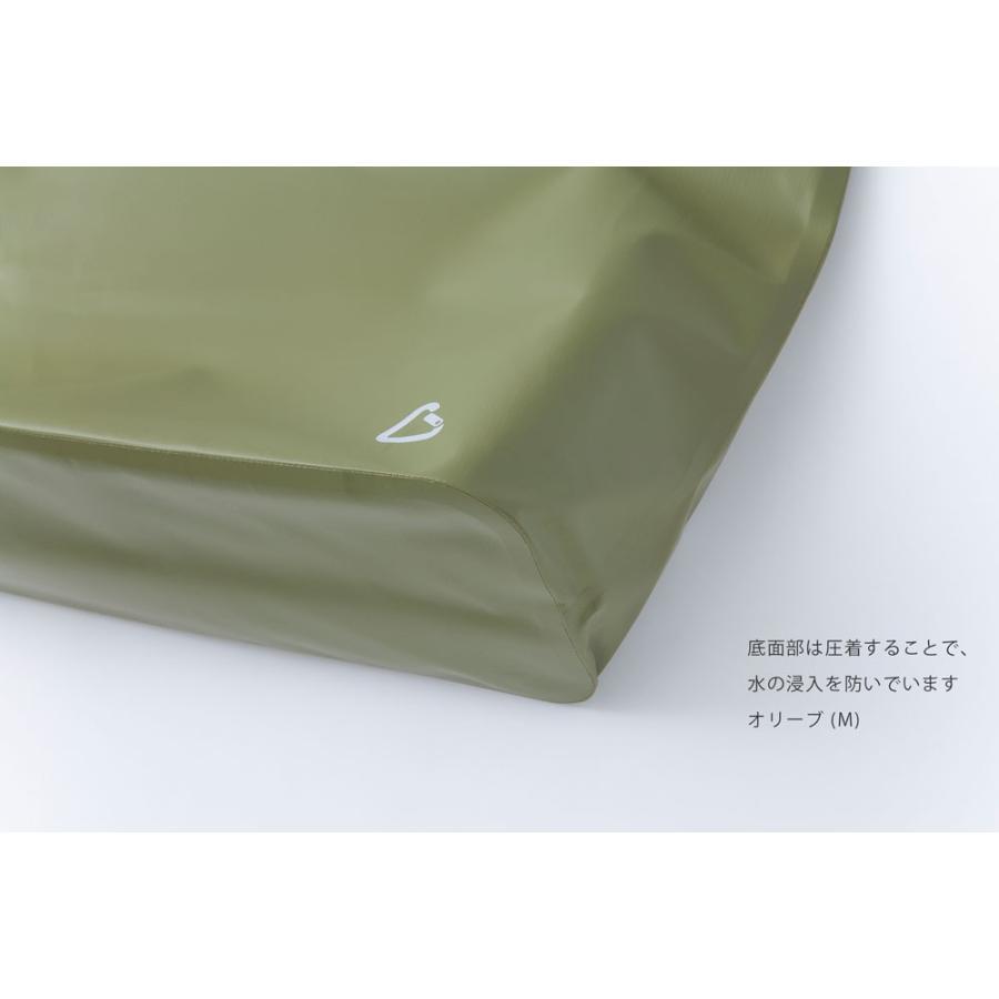 防水素材の、カラビナ付きレジャーバッグ camp tote キャンプトートLサイズ safety-toilet 07