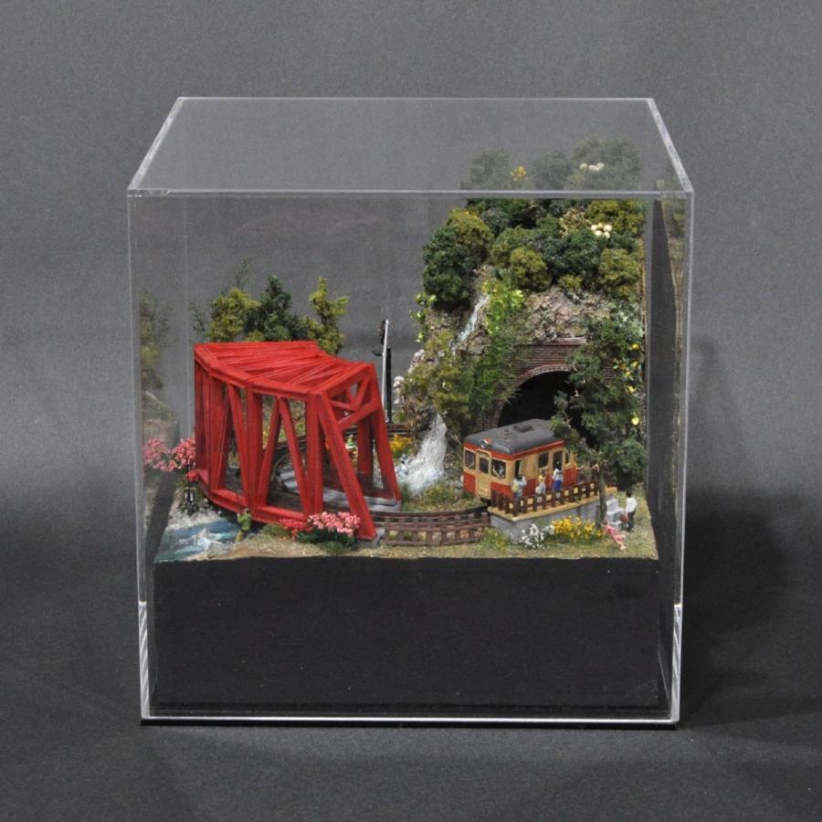 ターンテーブルライン#3 「赤い橋とキャンプ場」 :石川宜明 塗装済完成品 1/150サイズ