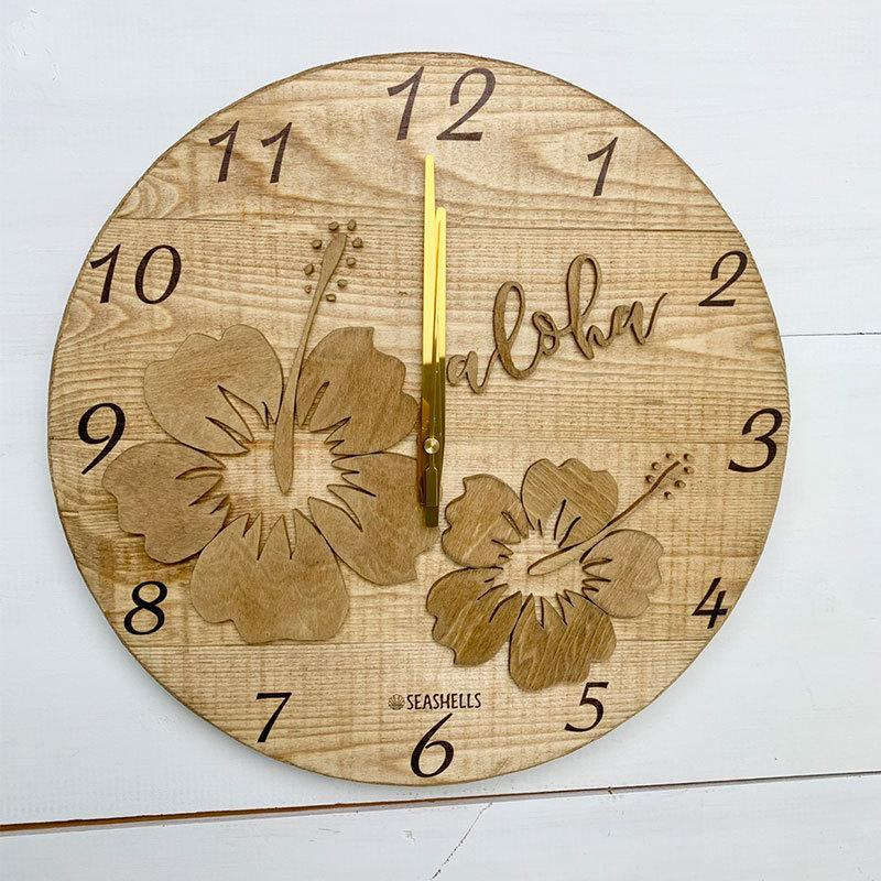 ハイビスカスの壁掛けウッド時計 木製 おしゃれなインテリアクロック ハワイアン 丸 南国植物 見やすい大きめサイズ|seashells-zakka