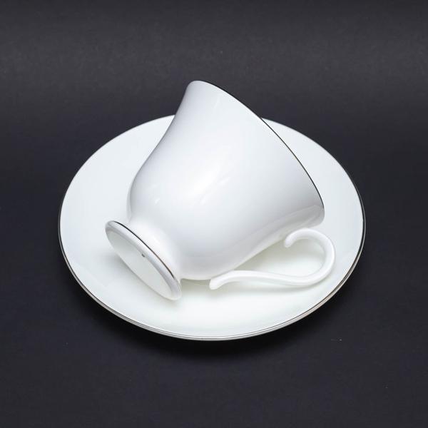 ウェッジウッド シグネットプラチナ ティーカップ&ソーサー(ヴィクトリア)|selectors|04