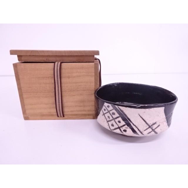 黒織部茶碗