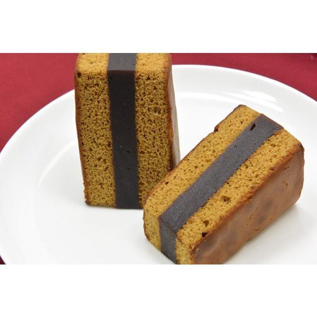 モカシベリア 2枚のカステラに羊羹を挟んだ和菓子|siberia
