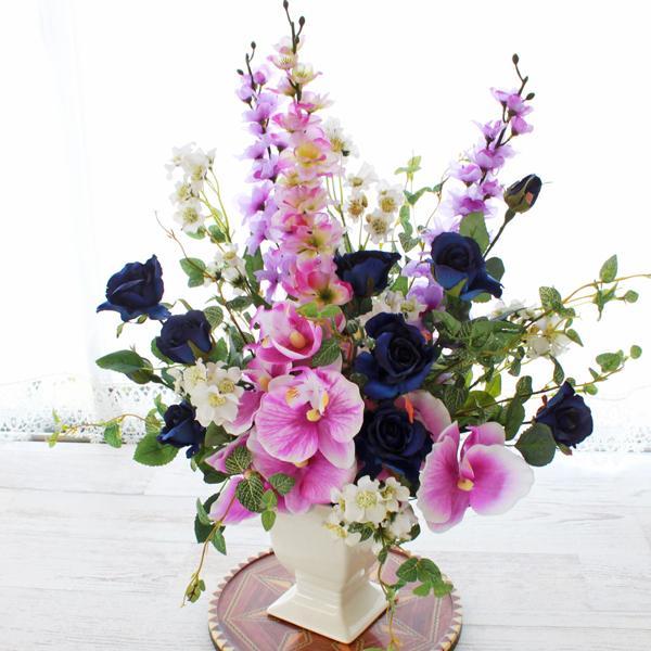造花 ロイヤルブルーのバラとらんの華やかなアレンジ CT触媒 プレゼント シルクフラワー 出荷