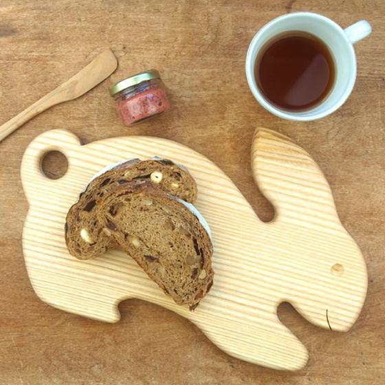 ドイツ製 アニマルシェイプ 木製 カッティングボード まな板 トレー キッチン 雑貨 かわいい パン おしゃれ ナチュラル パーティー|slowworks
