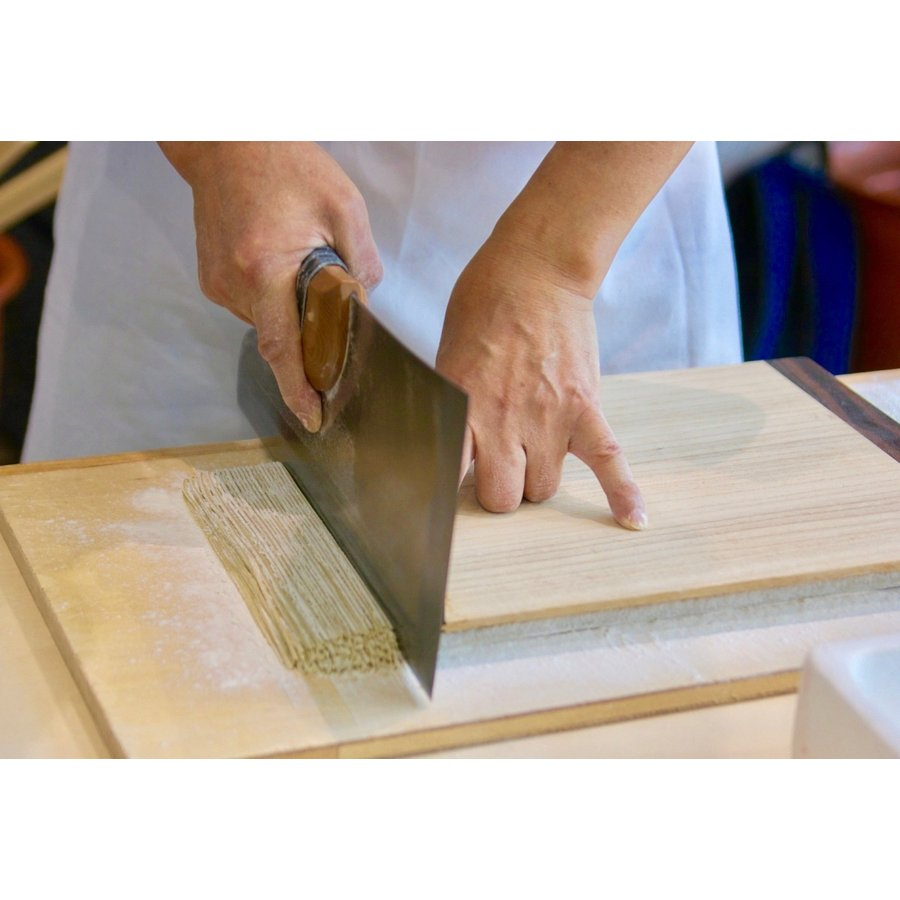 石臼挽き 高級そば粉『美ヶ原』お徳用1kg 60メッシュ 白めでなめらかしっとり感あり、細かめで繋がりやすく使いやすい。おすすめ|sobaken-store|05