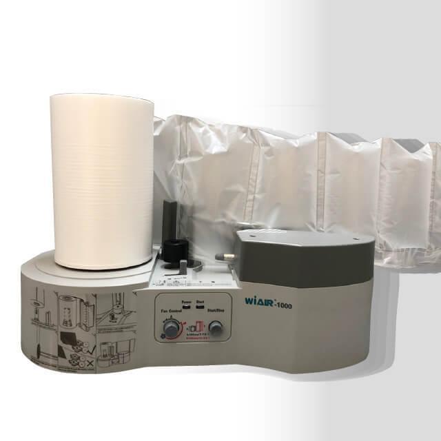 エアー緩衝材 製造機 通販に便利なピロータイプ エアークッション作れます。専用フィルム 300m巻×2本 1巻約2,700個の緩衝材が作れます