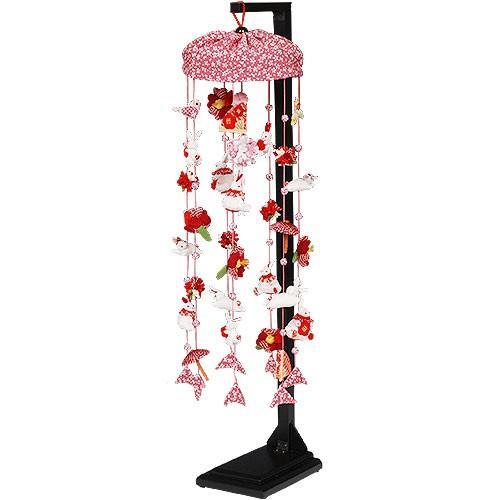 【赤うさぎ・極上小桜】小さな飾りにいっぱいの愛情を込めて手作りした吊るし飾りです。(高さ71cm)