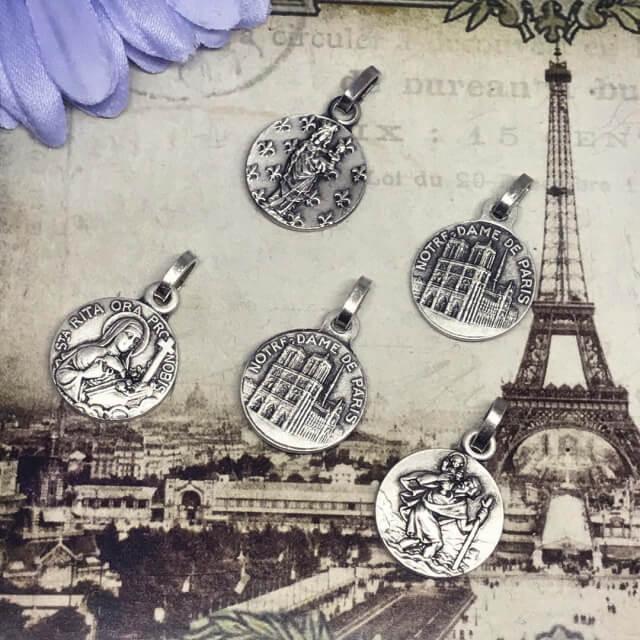 ラファエロの頬杖天使とノートルダム大聖堂のメダイユ フランス教会正規品 エンジェル ペンダント トップ ヘッド メダル ゴールド ネックレス spica-france 09