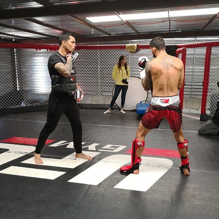 ボクシング ミット 打ち