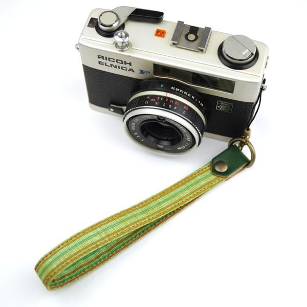 【和柄カメラハンドストラップ!】【2緑縞】アンティーク着物の柄がレトロな和柄カメラストラップ