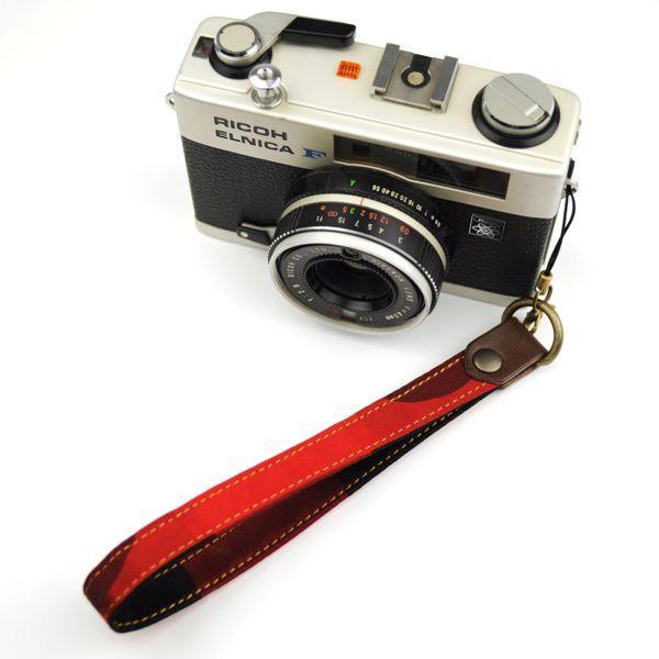 【和柄カメラハンドストラップ!】【3赤黒】アンティーク着物の柄がレトロな和柄カメラストラップ!