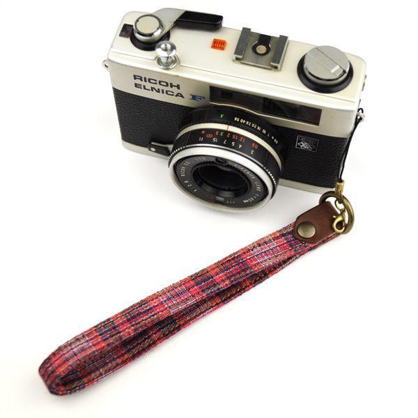 【和柄カメラハンドストラップ!】【4紺赤縞】アンティーク着物の柄がレトロな和柄カメラストラップ