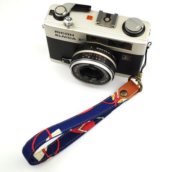【和柄カメラハンドストラップ!】【5青レトロ】アンティーク着物の柄がレトロな和柄カメラストラップ