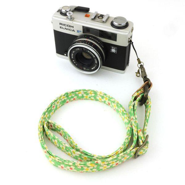 和柄ネックストラップ!17黄緑花アンティーク着物で製作したレトロなカメラストラップ!