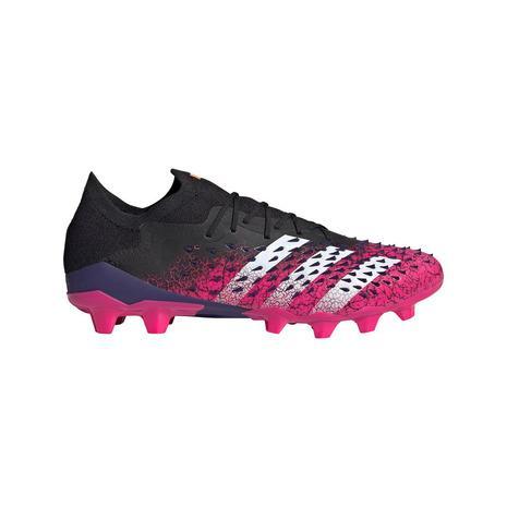 アディダス 超歓迎された adidas サッカースパイク ハードグラウンド 特別セール品 人工芝用 プレデター フリーク. 1 ロー AG サッカーシューズ FZ3708 メンズ HG