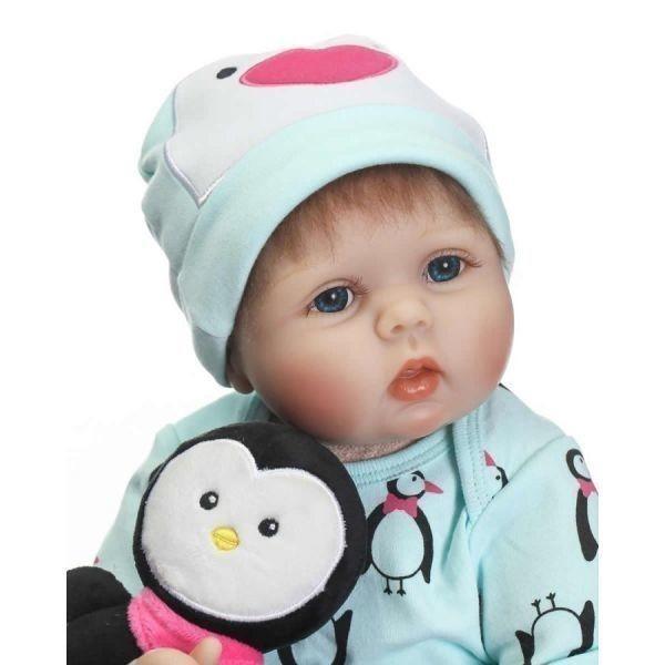 リボーンドール リアル赤ちゃん人形 かわいいベビー人形 衣装と哺乳瓶・おしゃぶり付き ペンギンと一緒優しいお顔の乳児ちゃん