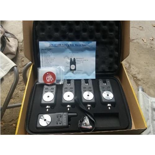 鯉釣りデジタルワイヤレスバイトアラーム4 + 1セット電池警告電子魚ストライクロッドチップEVAバッグ【領収発行可】|suzukazemarket|08