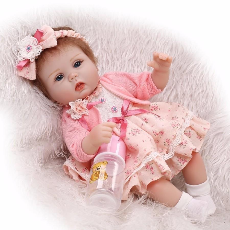 リボーンドール リアル赤ちゃん ハンドメイド海外ドール 衣装とおしゃぶり・哺乳瓶付き おめかしドレスの女の子 新生児ちゃん