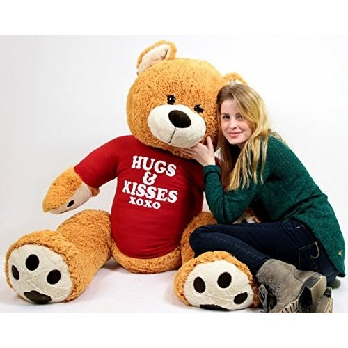 Hugs And Kisses Giant Teddy クマ Five フィート トール ハニー ブラウン カラー Wears Tシャツ海外取寄せ品