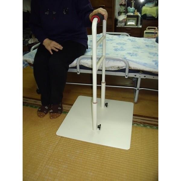 立つ之助 愛 立ち上がり補助器具 手すり 介護 ベッド イス など 高さ3段階調整 倒れない安心感 スチール素材 オフホワイト 日本製 |takei-co|04