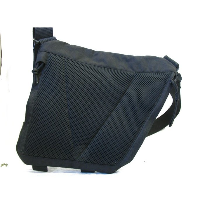 UTACTIC Conceal Carry Under Arm Bag|tands|05