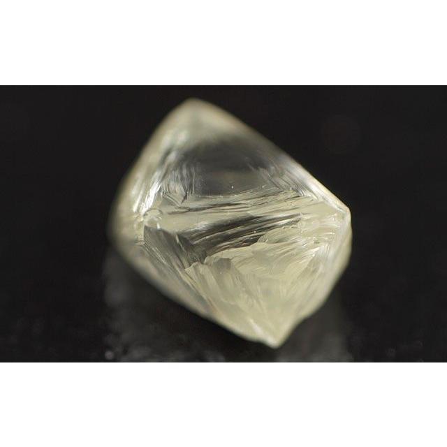 華麗 蛍光性はブルー。天然ダイヤモンド原石(ラフ) ルース(裸石) 0.32ct ほぼ正八面体(オクタヘドロン)の美しい結晶。 送料無料, エスニード 81fb9d3e