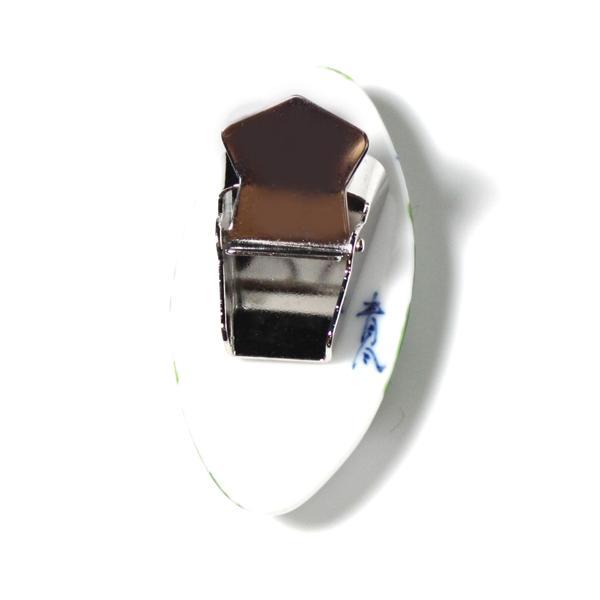 有田焼伊万里焼で知られる陶芸磁器ループタイ。染錦人形紋様。|tatikawa|03