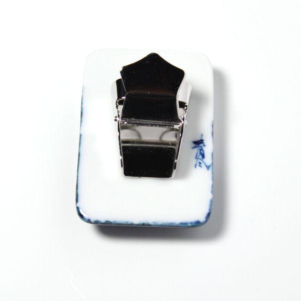 有田焼伊万里焼で知られる陶芸磁器ループタイ。染付蝶紋様。 tatikawa 03