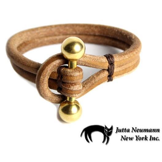 高品質の激安 JUTTA JUTTA Leather NEUMANN Leather Wristband Wristband レザーリストバンド タン/ブラス, 仏事のギャラリー:0b11e96b --- airmodconsu.dominiotemporario.com