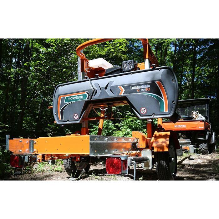 Norwood社製エンジン式移動製材機 (LumberMateLM29) 簡易製材機