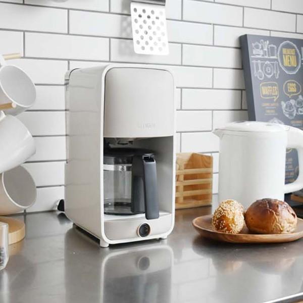 コーヒーメーカー おしゃれ デザイン ガラスサーバー 0.81L ADC-B060WG 保温機能 割り引き コーヒー グレージュホワイト 6杯分 タイガー魔法瓶 記念日
