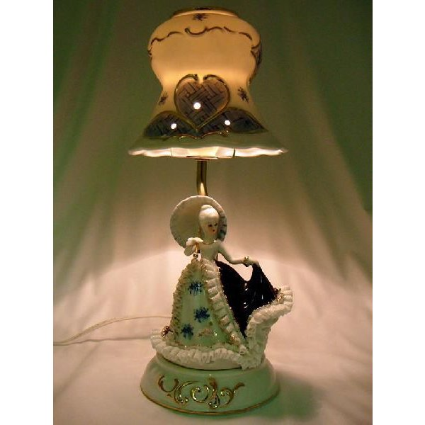 ランプスタンド 傘持少女 TKN-2053CR 【 陶器 人形 置物】 /テーケー名古屋人形製陶株式会社 tklace