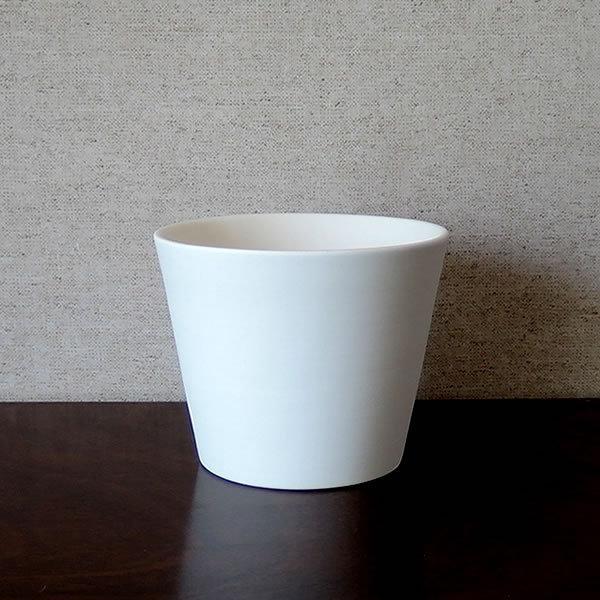 白い陶器の植木鉢 / すり鉢タイプ utyu 07