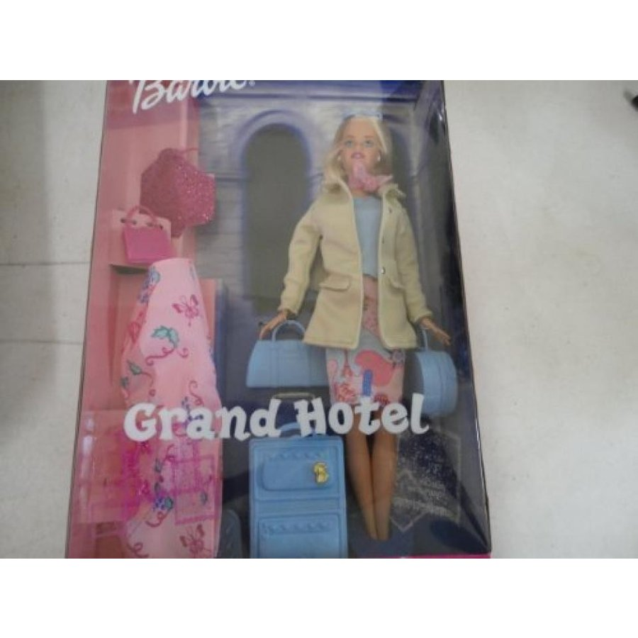 バービー おもちゃ Barbie Grand Hotel Doll with Suitcase 輸入品