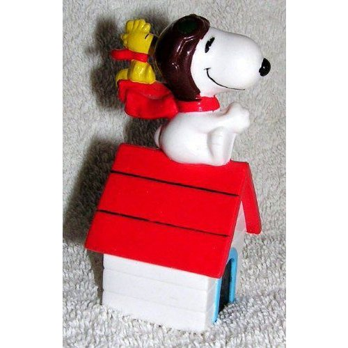 Peanuts Flying Ace Snoopy Pilot and Woodstock on Doghouse PVC Figure フィギュア 人形 おもちゃ